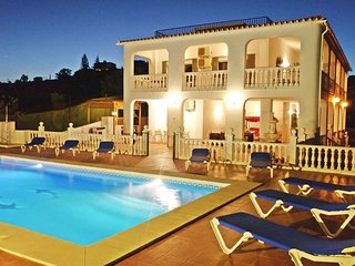 Beautiful villa for 14 people with private pool