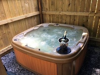 Woodland View -Hot Tub-Tenby-Carmarthen-St Clears