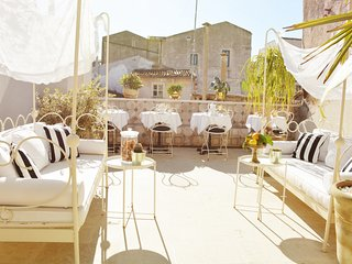 Historic 1BR Boutique Hotel with Beautiful Sunny Terraces