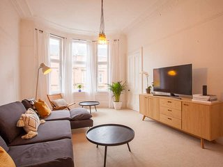 Stunning 2 bed property in heart of West End