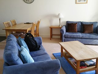 Super, huge 2 bed apt. Jericho.  Perfect for Oxford Colleges. Outstanding value!