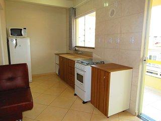 Cód 225-3  Apartamento 01 dormitório centro de Bombinhas