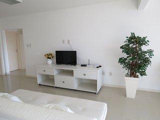 Cód 199 Apartamento no Solar das Bromélias com 02 vagas de garagem