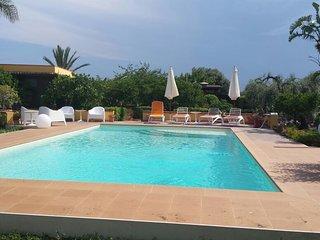 Villa Epipoli con piscina ad uso esclusivo - clima e wi-fi