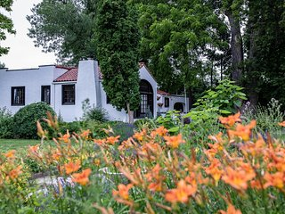 The 1930's White Cottage 3 acre riverfront stay & Venue in Eagle, Idaho
