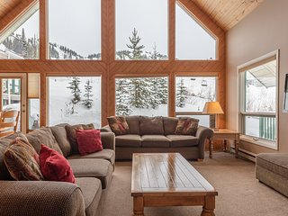 SkiMore Chalet Upper - Popular Ski Chalet - Sleeps 9