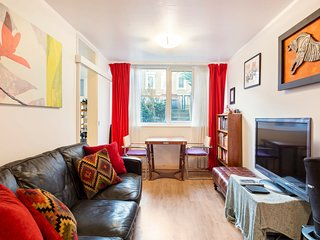 Modern & Spacious 2-Bedroom House in Fulham
