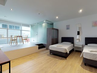 Twin Studio near Outram Park, Chinatown and Clarke Quay