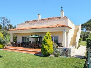 Nadadouro Villa Sleeps 10 with Pool - 5820947