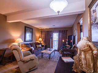 *Decorated for Christmas* - Lovely 2 bed/2 bath unit at Notch
