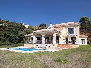 Beautiful Family friendly villa Monte Mayor RDR187