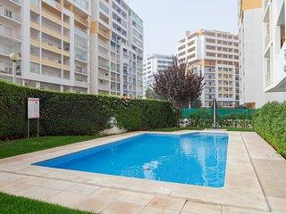 Apartamento con Piscina - Vista para el mar.