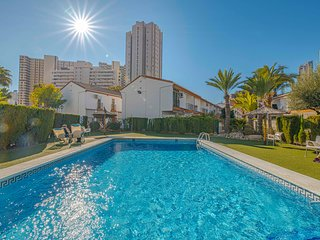 Modern Town House at Levante Beach, Swimming Pools, WiFi, Air Con, UK TV