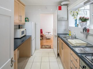 Bright 1BDR/2Bath + garden in Hampstead, near tube