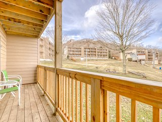 Lovely ski-in/out condo with gorgeous mountain views and shared tennis court