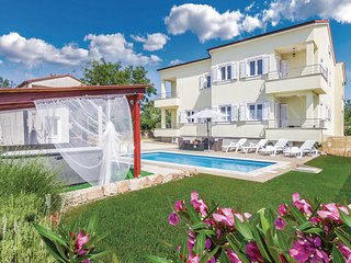 Awesome home in Kanfanar w/ Outdoor swimming pool, Outdoor swimming pool and 3 B