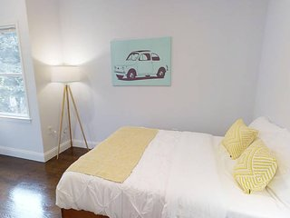 Amazing Room with Laundry & Fast Wifi - Near PATH