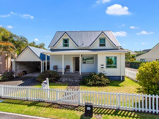 Plantation Cottage - Ohope Holiday Home, Abel Tasman National Park