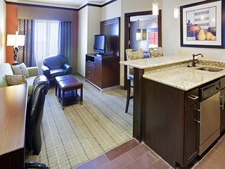 Free Breakfast + Fitness Center Access   Close to the DFW Airport!