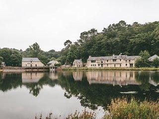 Cottage 6 Personnes a Rochefort-en-Terre Morbihan avec Piscine