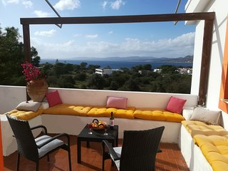 Beautiful 2 bedroom apartment in Pefkos with lovely sea view!