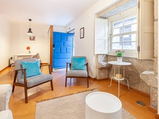 SM6 . Casa S. Miguel 6 ★Yellow House ★ Old Town Centre