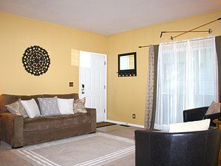 Spacious Home w/ WiFi, Hot Tub, BBQ, Complex Pool & Bikes
