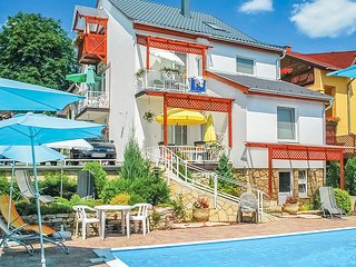 Awesome apartment in Hévíz w/ Outdoor swimming pool, Heated swimming pool and