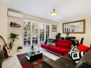 Tranquil and Sunny Oasis in The Heart of St Kilda