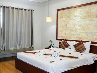 Nice double room in hotel historical style Angkor