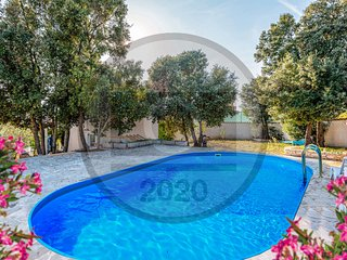 Beautiful home in Pavicini w/ Outdoor swimming pool and 3 Bedrooms (CIO225)