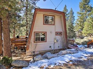 Walk to Big Bear Lake: Cabin w/Deck, Hot Tub +WiFi