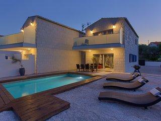 Kozji Vrh Holiday Home Sleeps 6 with Pool Air Con and WiFi - 5823119