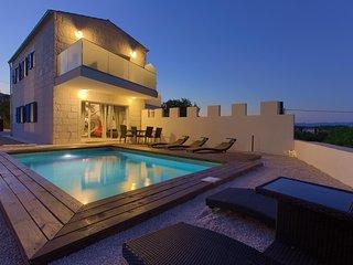 Kozji Vrh Holiday Home Sleeps 6 with Pool Air Con and WiFi - 5823123