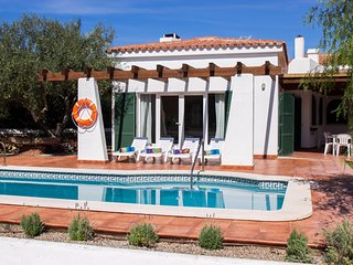 VILLA XALINA-Pool/BBQ/100m from the sea