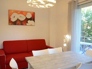 'La Casa di Pippo-Bilocale rosso',nuovo,luminoso, a due passi dal mare
