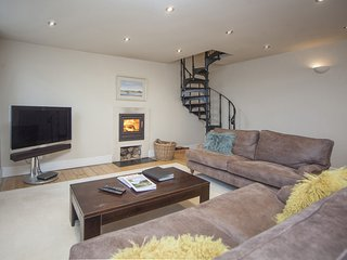 VICTORIAN ANNEXE - BATH - Luxury 2 Bedroom Self Catered Holiday Rental Minutes f