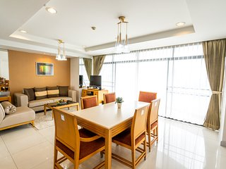 Spacious 4-Apartment Combination in Thonglor