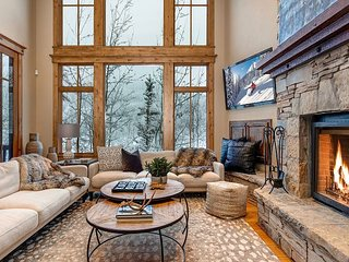 New Listing! Benoit Lookout Estate: Hot Tub & Private Shuttle to Lifts
