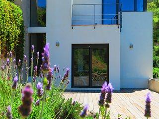 2019 RENOVADA A ESTRENAR. Arquitectura moderna y diseno relajante