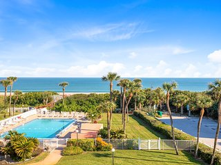 Oceanfront View - Beside the Cocoa Beach Pier - Large Heated Pool