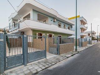 Appartamento spiaggia e servizi a piedi m509