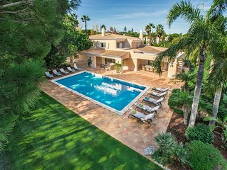 5 bedroom villa Quinta do Lago, private pool, golf course views, walk to beach