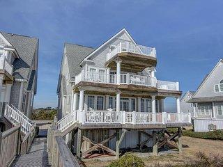 Island Drive 4298 Oceanfront! | Internet, Community Pool, Hot Tub, Elevator, Jac