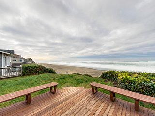 Dog-friendly oceanfront home w/ easy beach access & large deck + walk to park!