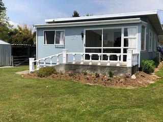 Manapouri Mountain Views - Manapouri Holiday House