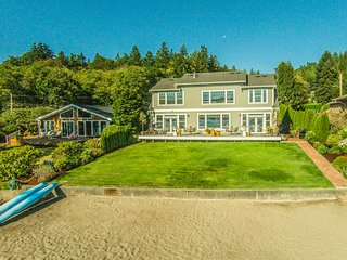 NEW! Private Beachfront Retreat near Gig Harbor!