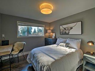 NEW! Luxe Kirkland Abode w/ Chic & High-End Decor!