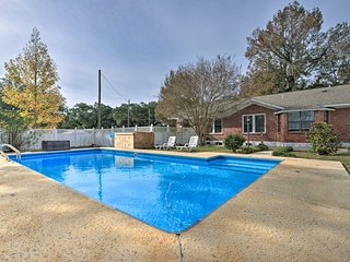 NEW! Home in the Heart of Pensacola, 8Mi to Beach!