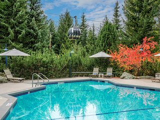 Cozy Lodge-Style Suite with Private Balcony | Pool Access!